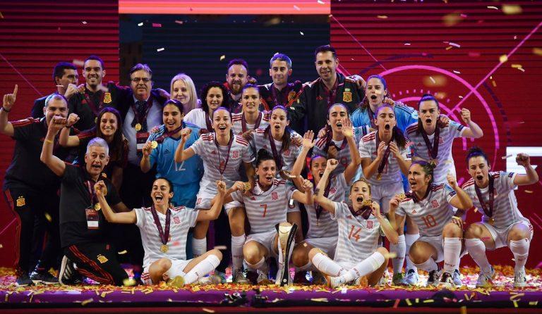 La Selección Española de Fútbol Sala Femenino homenajeada por la RFEF