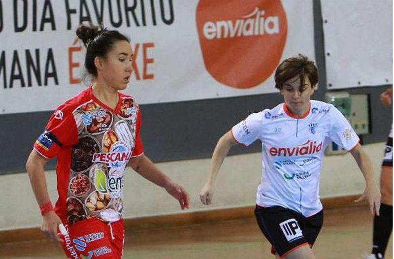 """Iria Saeta (Jugadora de Poio Pescamar FS): """"Tenemos una gran plantilla y estamos en una buena situación en la clasificación."""""""