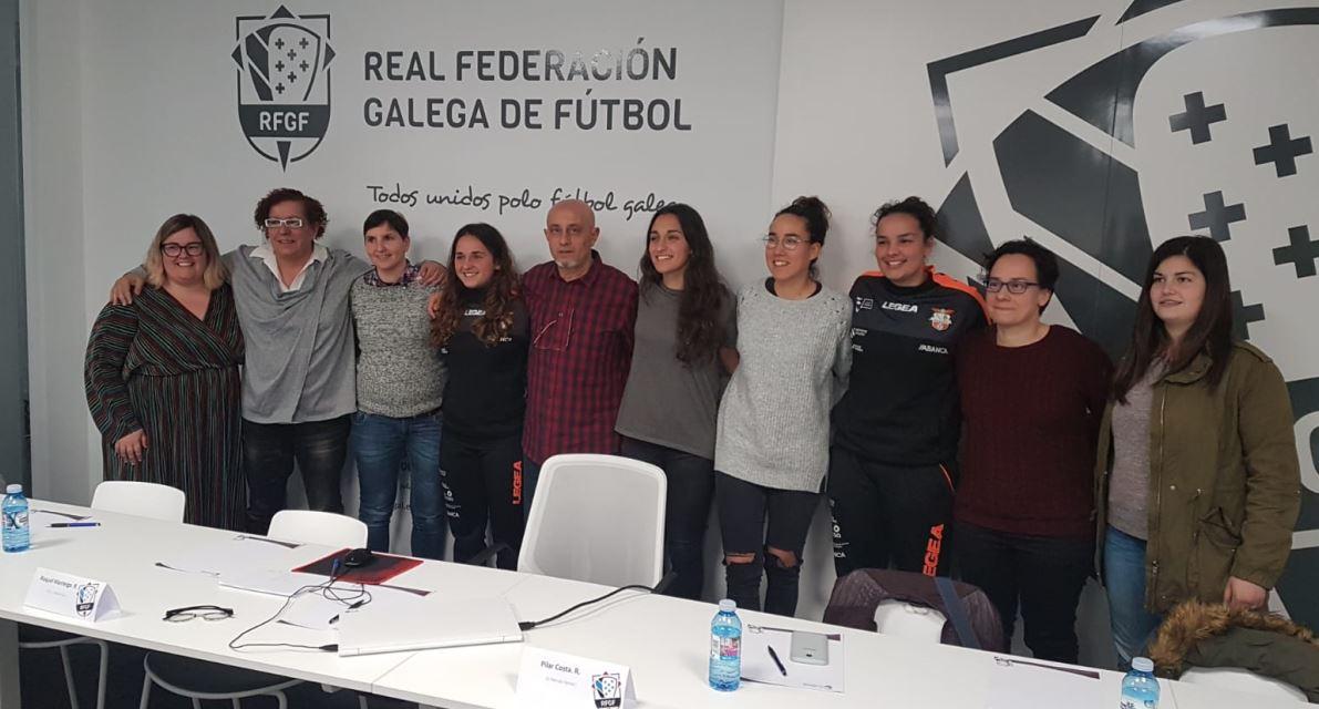 El estado del fútbol sala femenino actual a debate en la mesa redonda organizada por la Real Federación Gallega de Fútbol