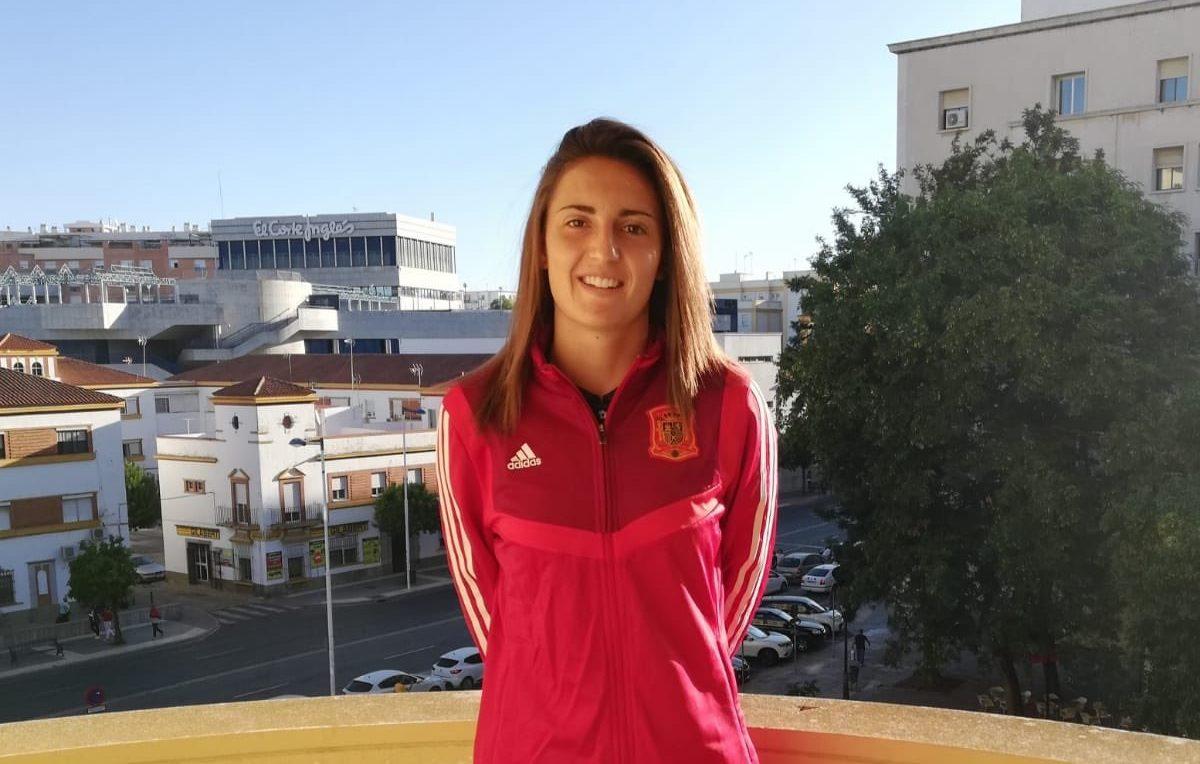 """Ana Etayo (Portera de STV Roldán FSF): """"La gente joven nos está aportando más ganas si cabe con su ilusión y trabajo por estar en 1ª división."""""""