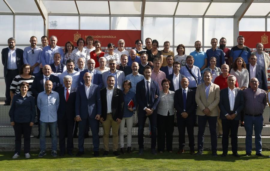 Luis Rubiales se reúne con los clubes de Primera y Segunda División Femenina de Fútbol Sala