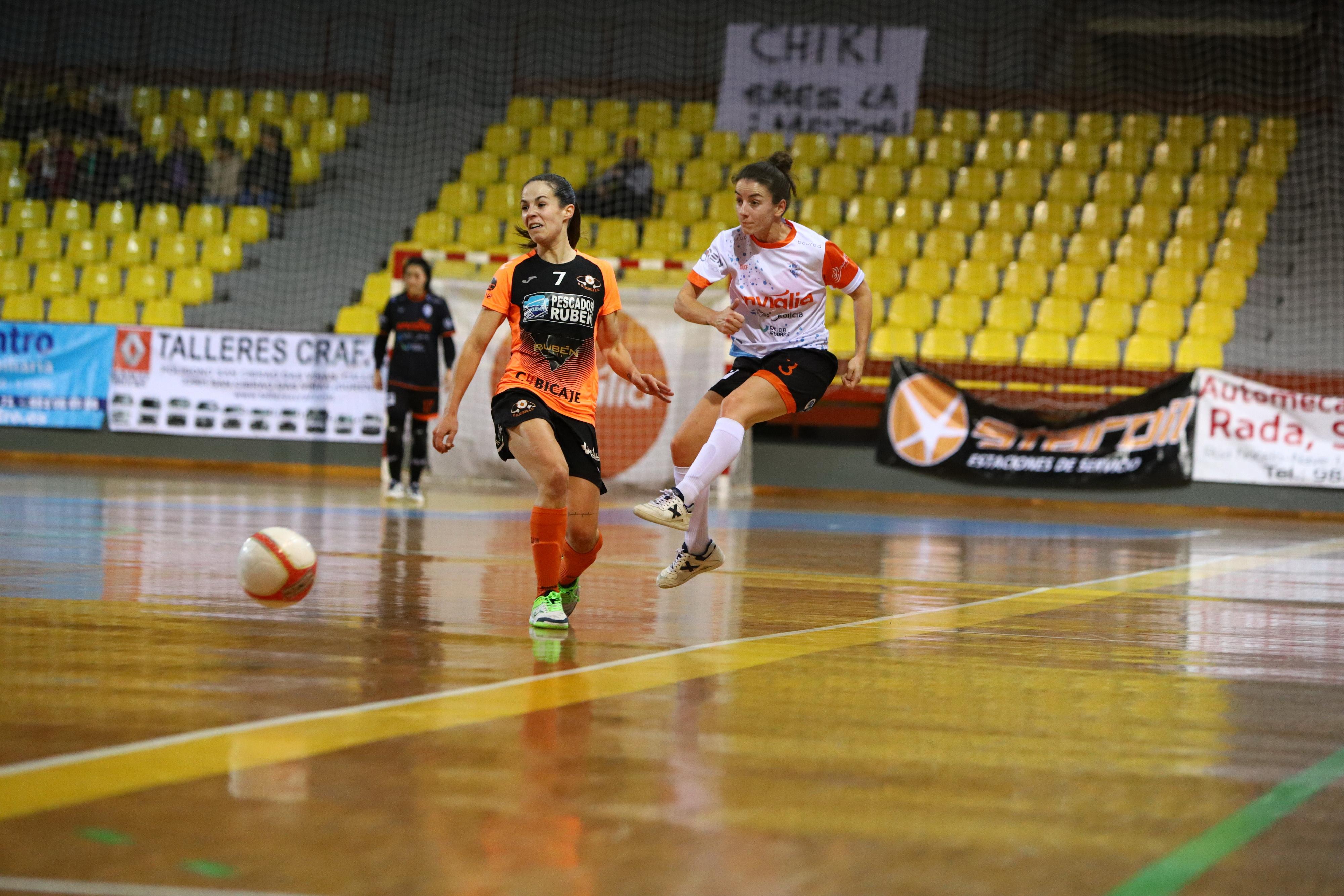 """Chiky (Jugadora de Ourense Envialia FSF):""""La clave está en la unión del grupo, la confianza en todas y en el trabajo y la constancia del día a día."""""""