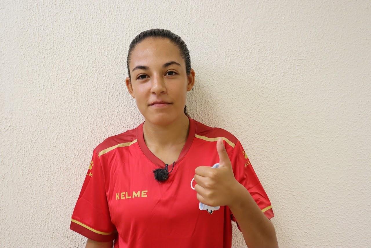 La joven promesa del futsal español, Indira Naomi Curbelo, espera su oportunidad como Guerrera