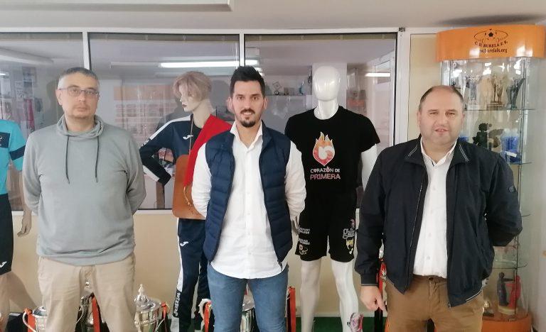 El traumatólogo Adrián Gallego se incorpora al servicio médico de Pescados Rubén Burela
